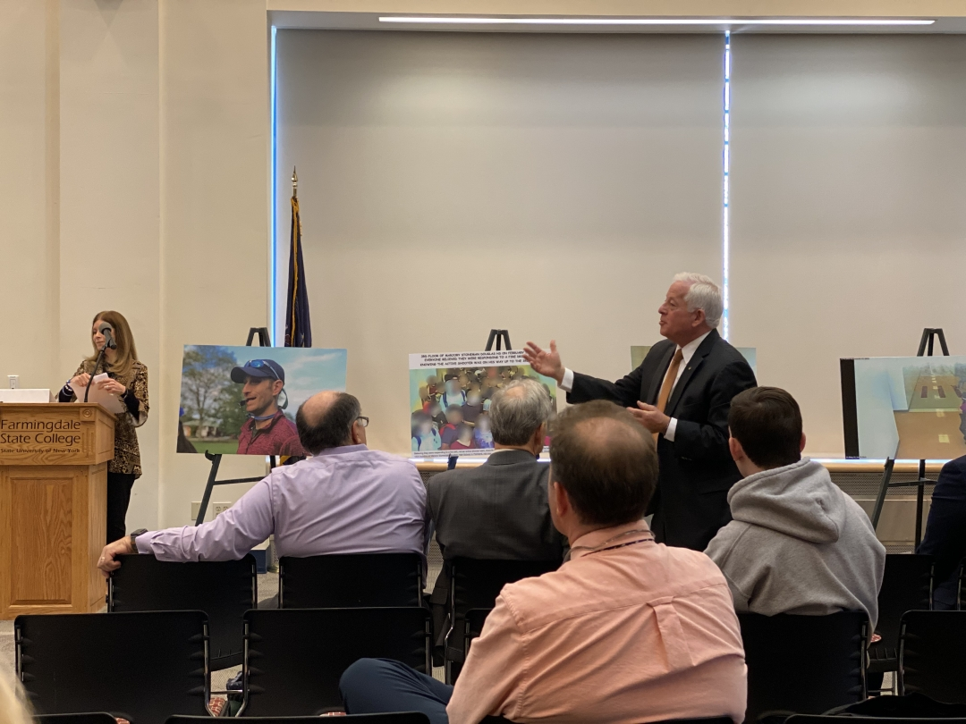 Assemblymember Lavine attends and answers questions at SUNY Farmingdale regarding his Ghost Gun Legislation.